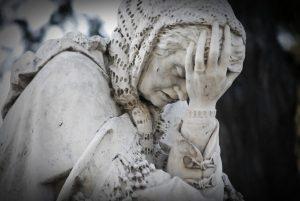 la sofferenza dovrebbe lasciarci senza parole